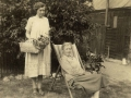 1926 Edie with Lil at Buddlebrook