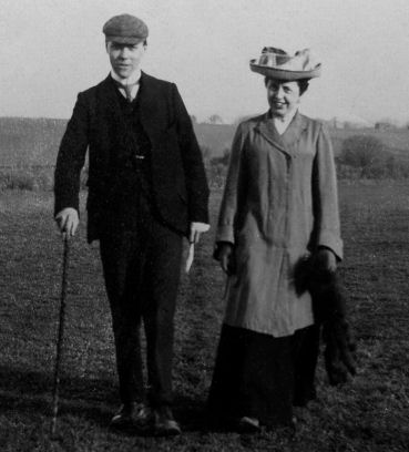 Edie with younger brother Sydney near Deal, Kent 1920